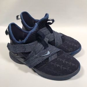Nike Velcro sneakers with anchor design